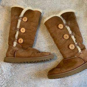 Bailey Button Triplet Uggs